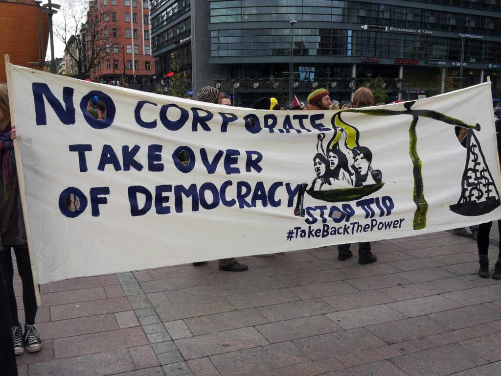 TTIP uhkaa vakavasti demokratiaa toteutuessaan