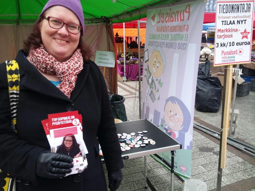 Kuvassa Rita Dahl Myyrmäen markkinoilla 28.3.